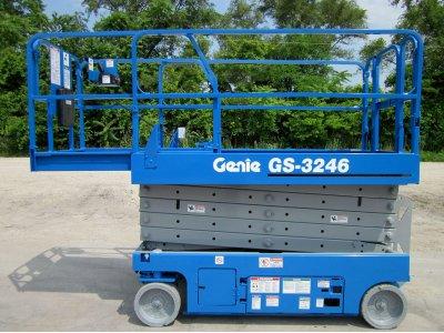 Ножничный подъемник Genie GS 3246 - 11,75м